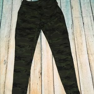 Camo Jessica Simpson running leggings